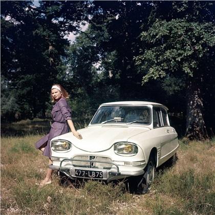 [GALERIE] L'Ami 6, l'Ami 8 et la M35 en photos - Page 3 1961-Citroen-Ami-6-10