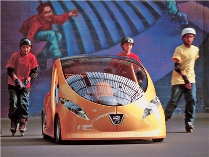 2000 Peugeot E-doll