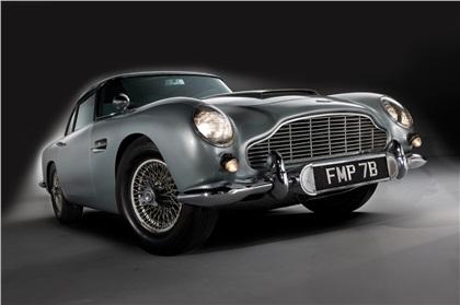 Aston Martin DB5 (1964): Машина агента 007