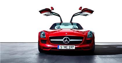 Mercedes-Benz SLS AMG (2010): Крыло чайки