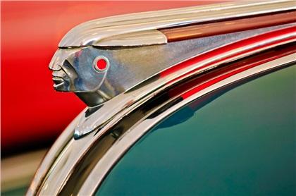 Pontiac_1948_Hood_Ornament.jpg?177617A58