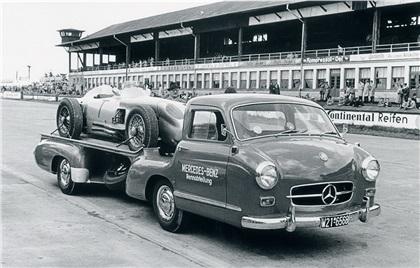 "Mercedes Benz ""Blue Wonder"" racing-car transporter (1954)"