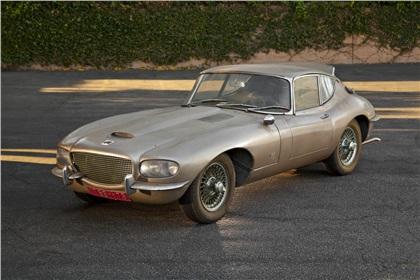 Une jaguar sachant freiner... - Page 3 1966_Jaguar_E-Type_(Raymond_Loewy)_02