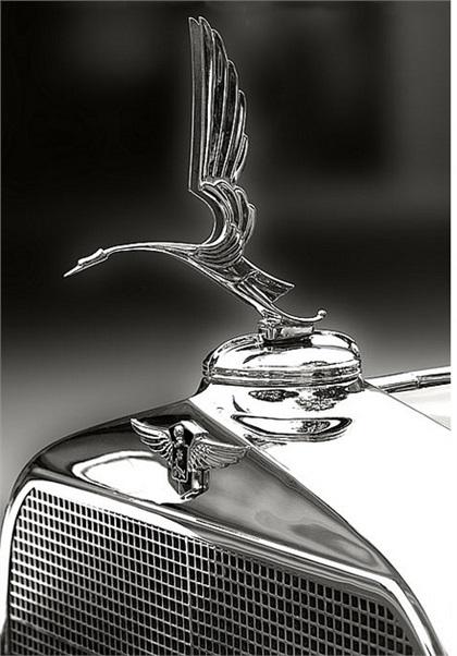 Cadillac/LaSalle Mascot (1930-32): The Heron