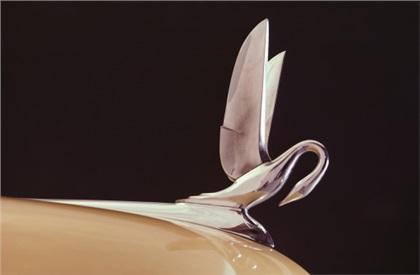Packard Mascot (1932-57): Pelican or Cormorant?
