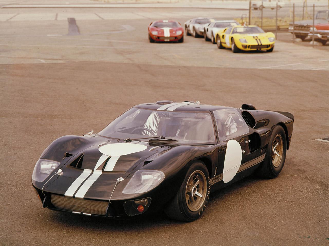 1966_Ford_GT40_Mk2.jpg