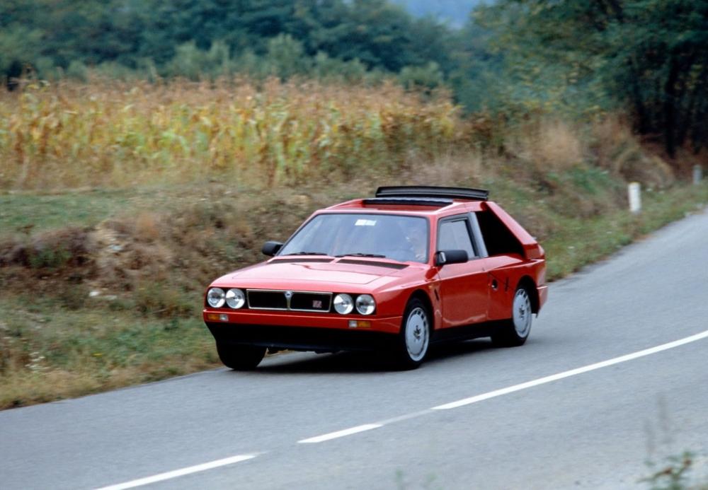 1985_Lancia_Delta_S4_01.jpg