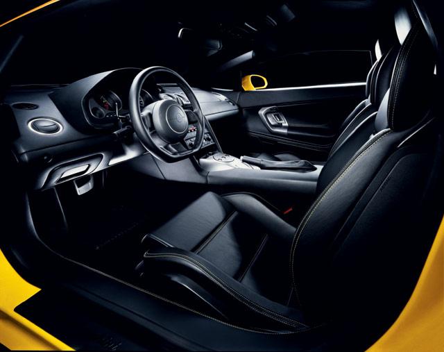 Lamborghini Gallardo, 2003   Interior