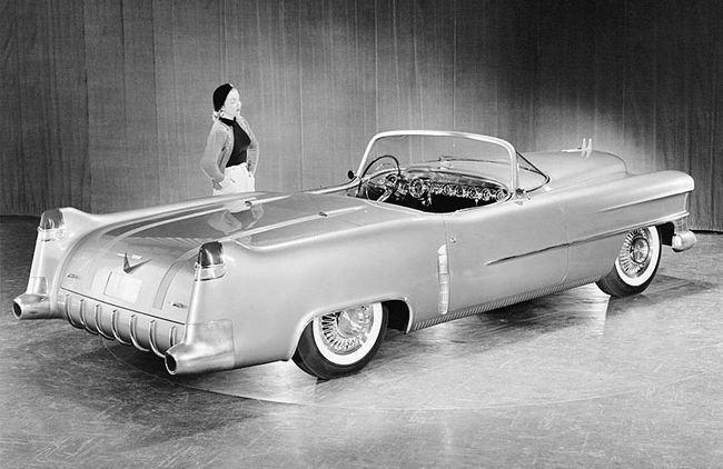 1953_Cadillac_Le_Mans_Concept_03.jpg