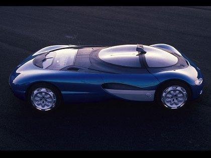 1990 Renault Laguna Sadece s�r�s keyfine odakli tasarlanan Laguna'da