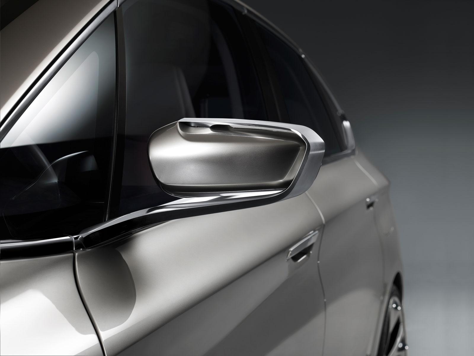 2012 BMW Concept Active Tourer - Concepts