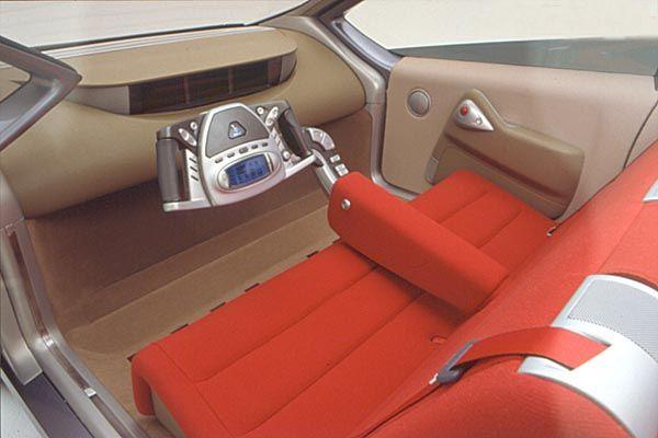 2001_Bertone_Opel_Filo_interior_01