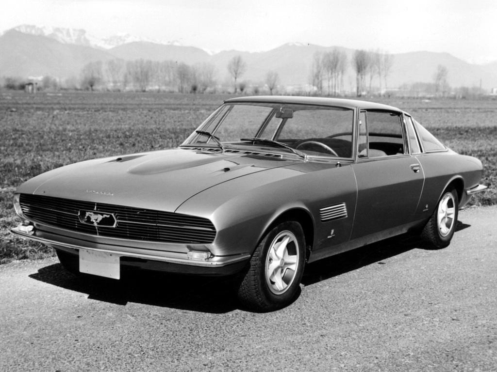 1965_Bertone_Ford_Mustang_01_1.jpg
