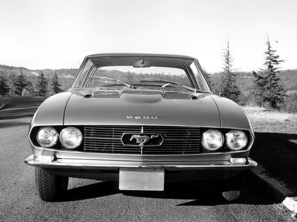 1965_Bertone_Ford_Mustang_04.jpg