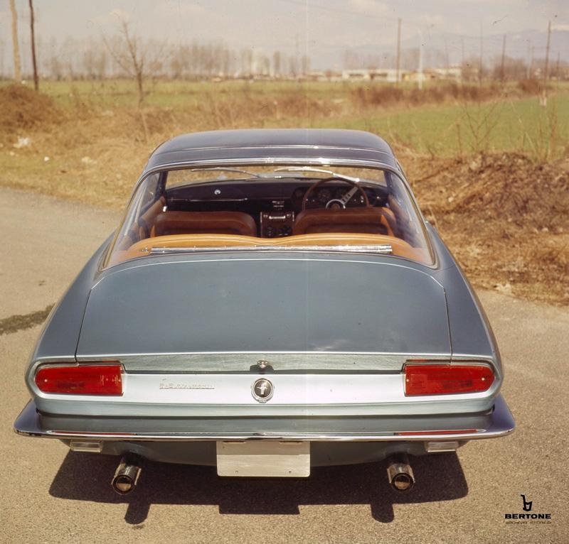 1965_Bertone_Ford_Mustang_05.jpg