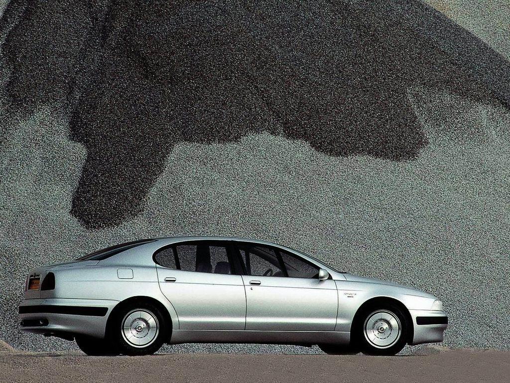1990 Jaguar Kensington (ItalDesign) - Studios