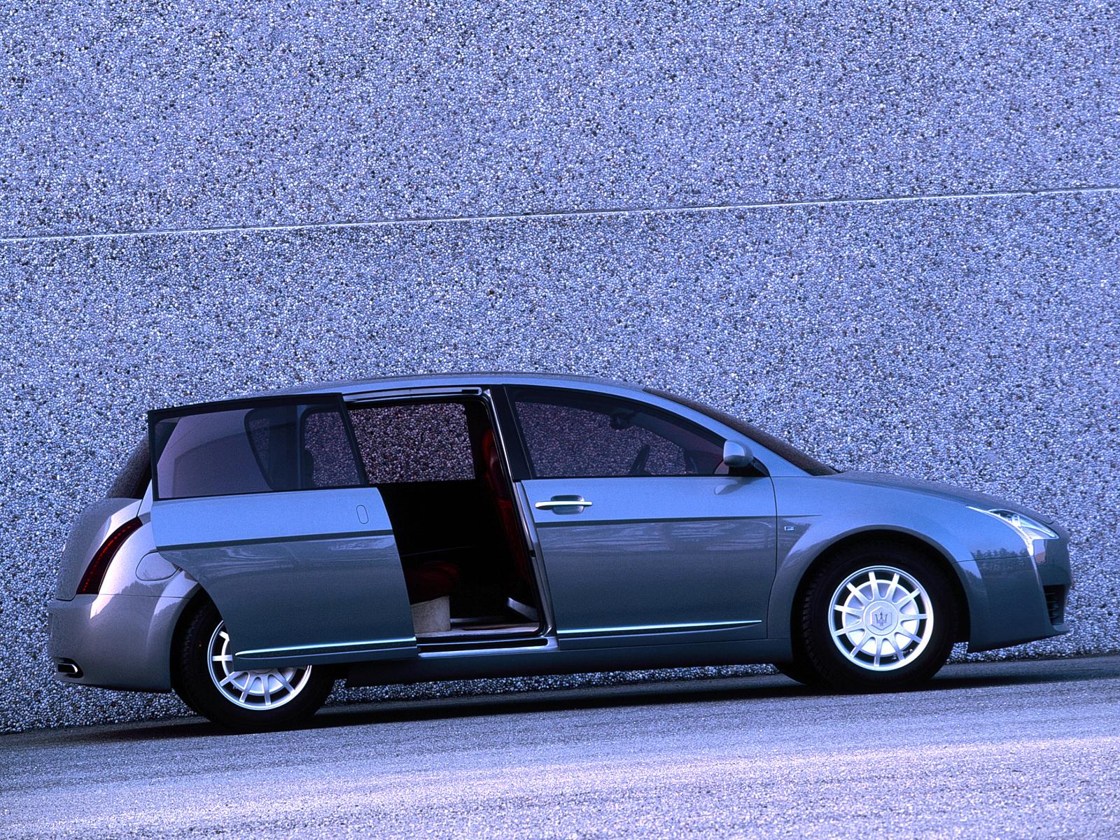2000 Maserati Buran (ItalDesign) - Studios